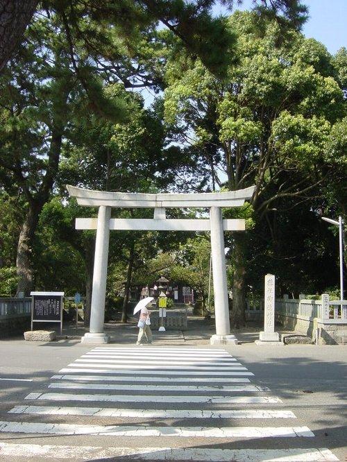羽衣の松に始まる参道の終点「御穂神社」(三保)